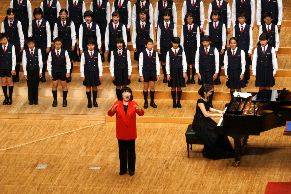 北九州アカデミー少年少女合唱団 指揮 中野恭子 ピアノ 権藤寛子